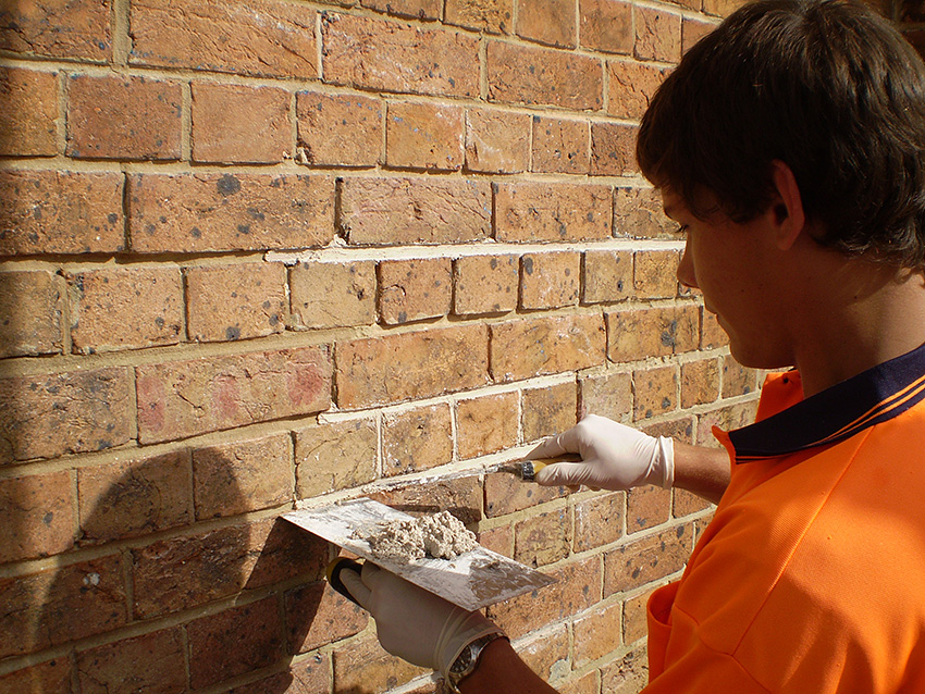 Re-pointing & Tuck Pointing